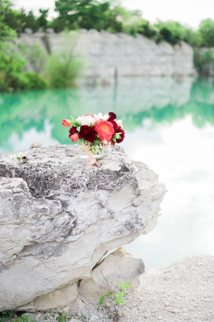 quarry-elopement-pink-peonies-aqua-inspiration06