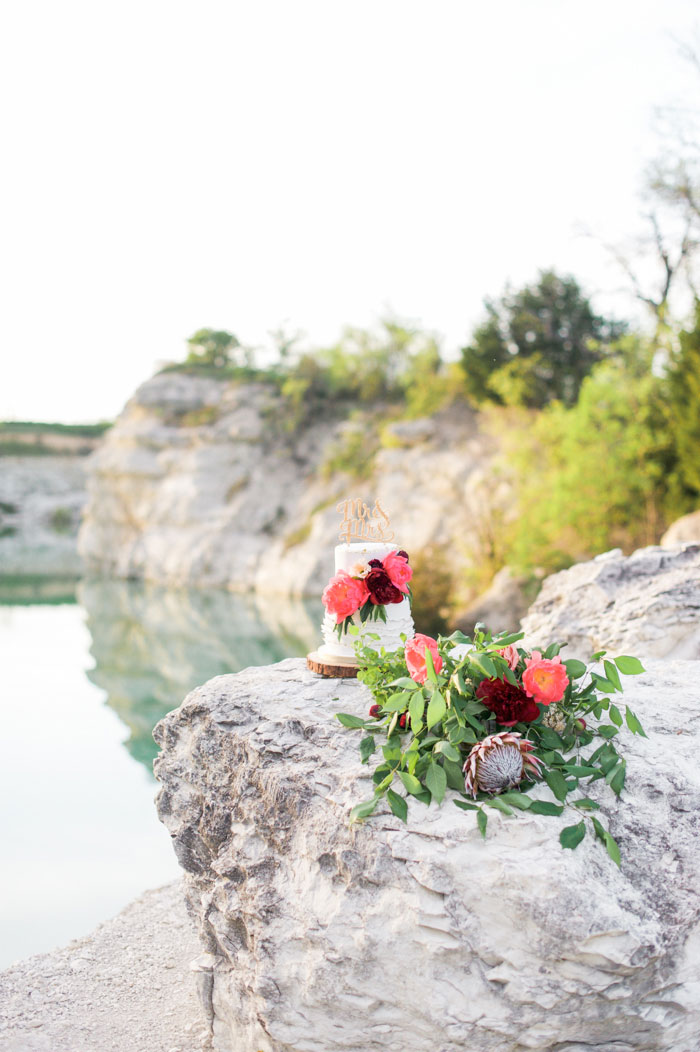 quarry-elopement-pink-peonies-aqua-inspiration20