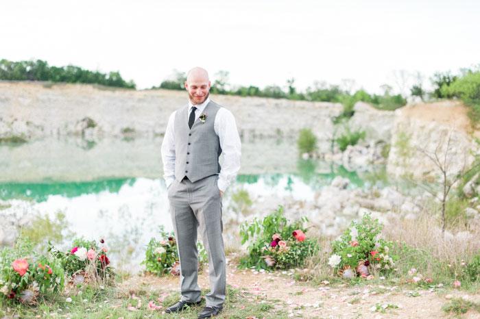 quarry-elopement-pink-peonies-aqua-inspiration35