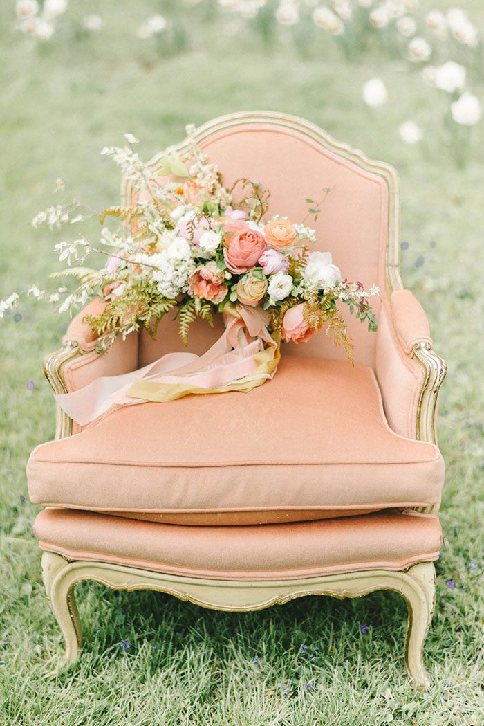 soft-blush-peach-feminie-tulle-inspiration-shoot07