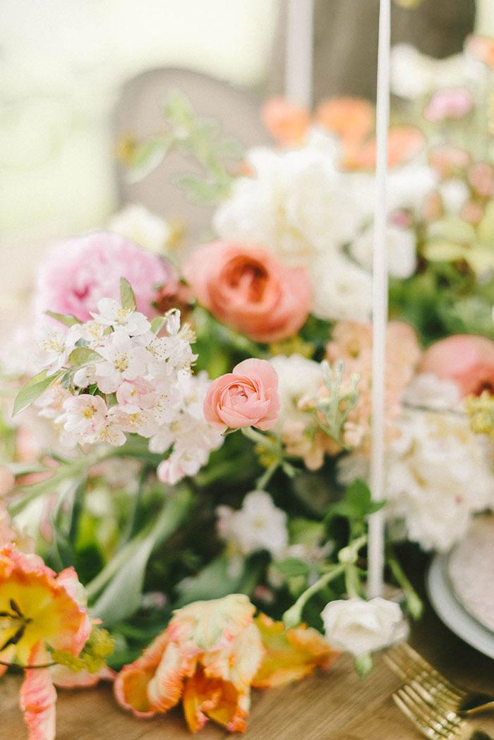 soft-blush-peach-feminie-tulle-inspiration-shoot16