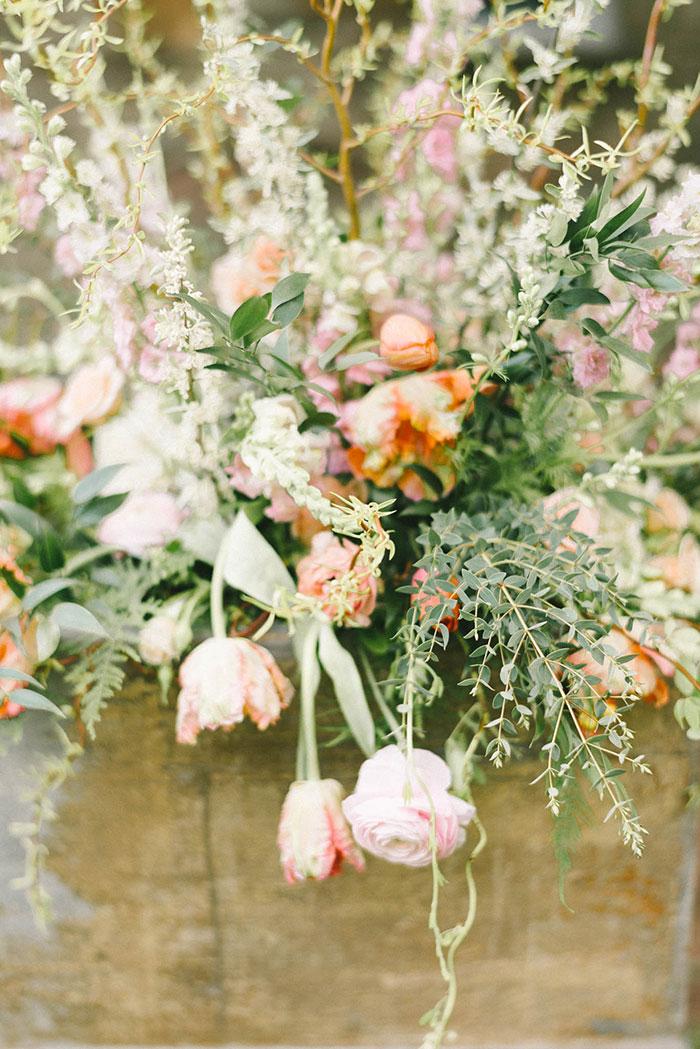 soft-blush-peach-feminie-tulle-inspiration-shoot28