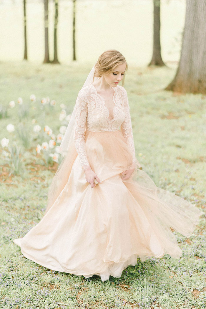 soft-blush-peach-feminie-tulle-inspiration-shoot31