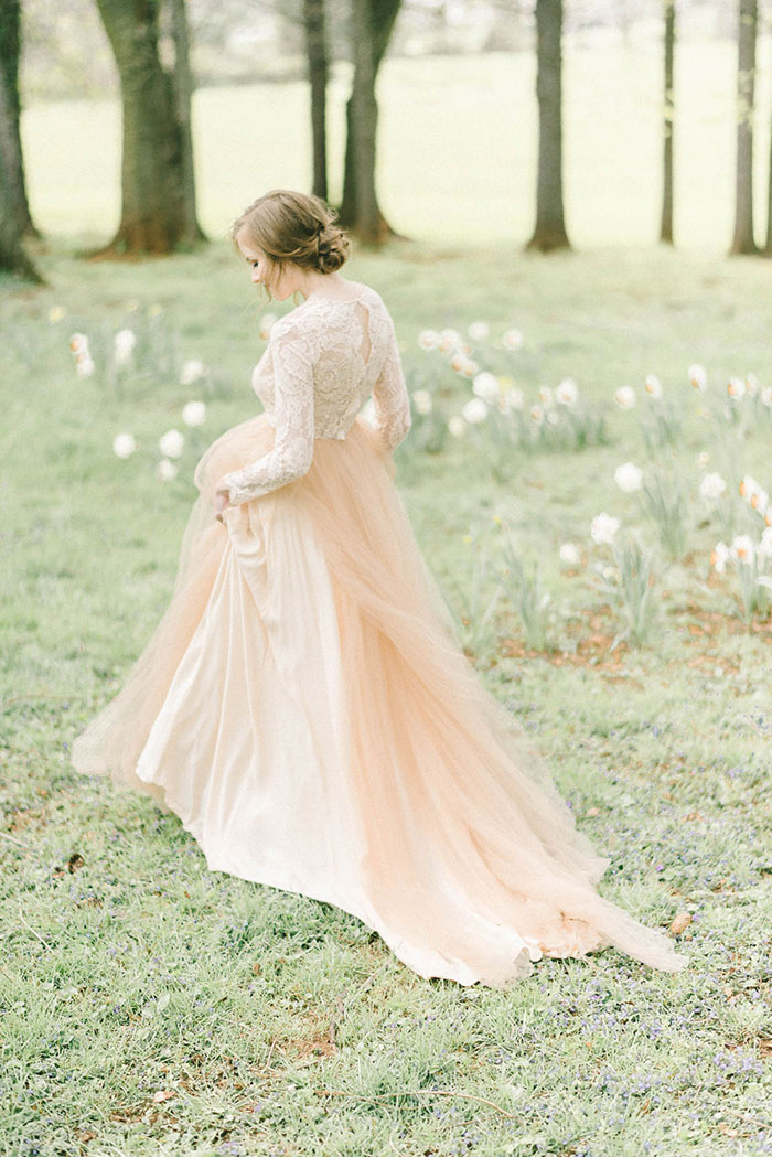 soft-blush-peach-feminie-tulle-inspiration-shoot33