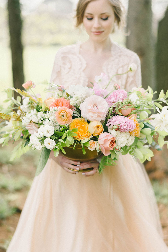 soft-blush-peach-feminie-tulle-inspiration-shoot37