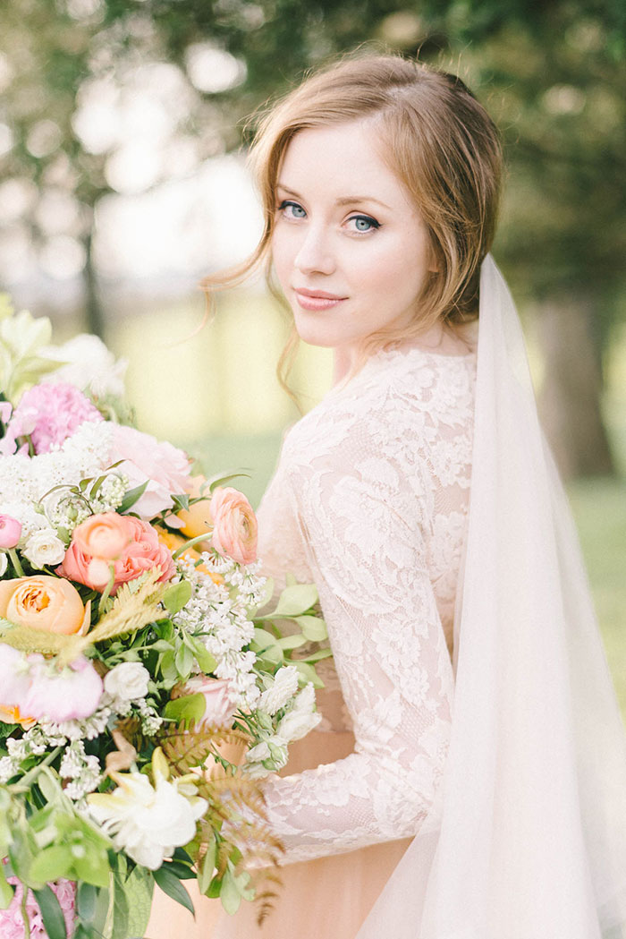 soft-blush-peach-feminie-tulle-inspiration-shoot60