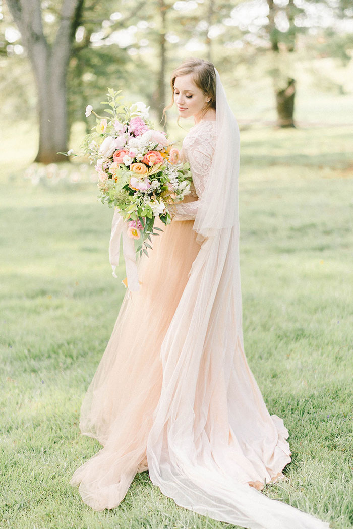 soft-blush-peach-feminie-tulle-inspiration-shoot62