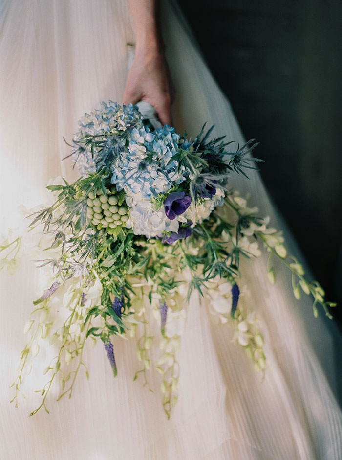 sweet-serenity-blue-floral-inspiration-shoot08