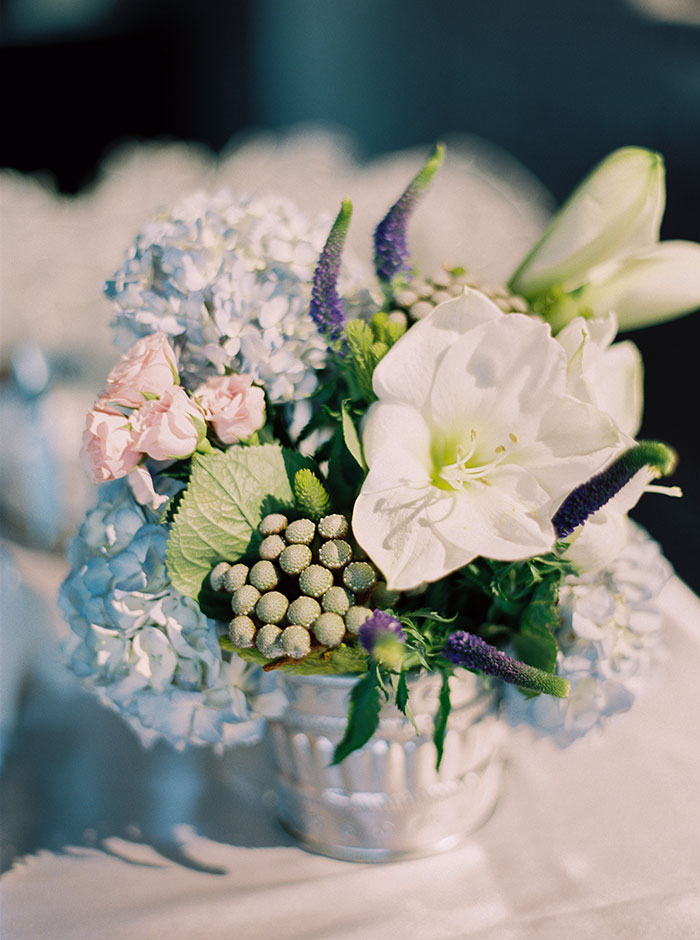 sweet-serenity-blue-floral-inspiration-shoot36