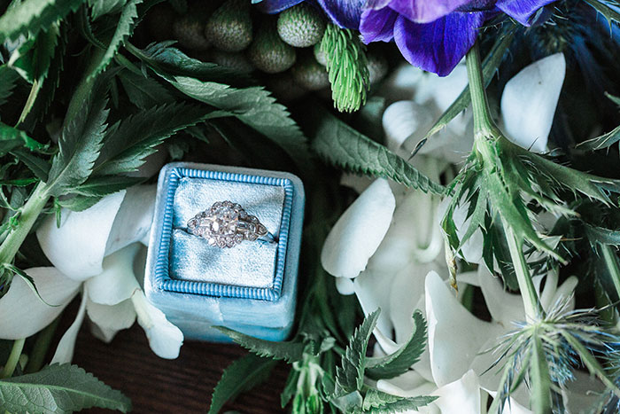 sweet-serenity-blue-floral-inspiration-shoot44