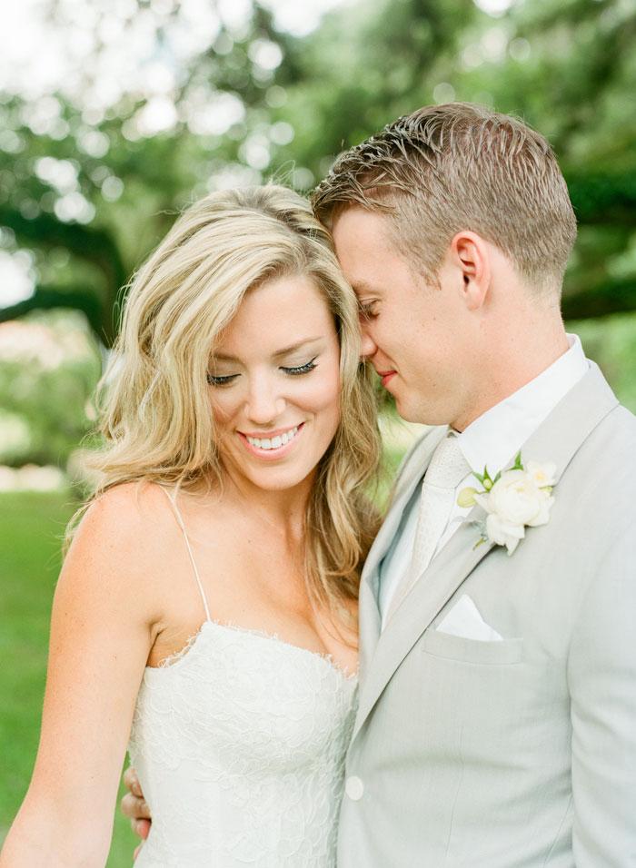 Houston-Oaks-Country-Club-white-romantic-wedding-inspiration11