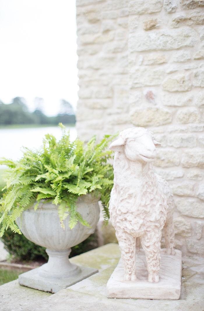 Houston-Oaks-Country-Club-white-romantic-wedding-inspiration15