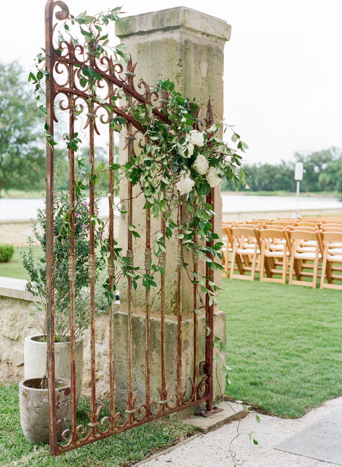 Houston-Oaks-Country-Club-white-romantic-wedding-inspiration18