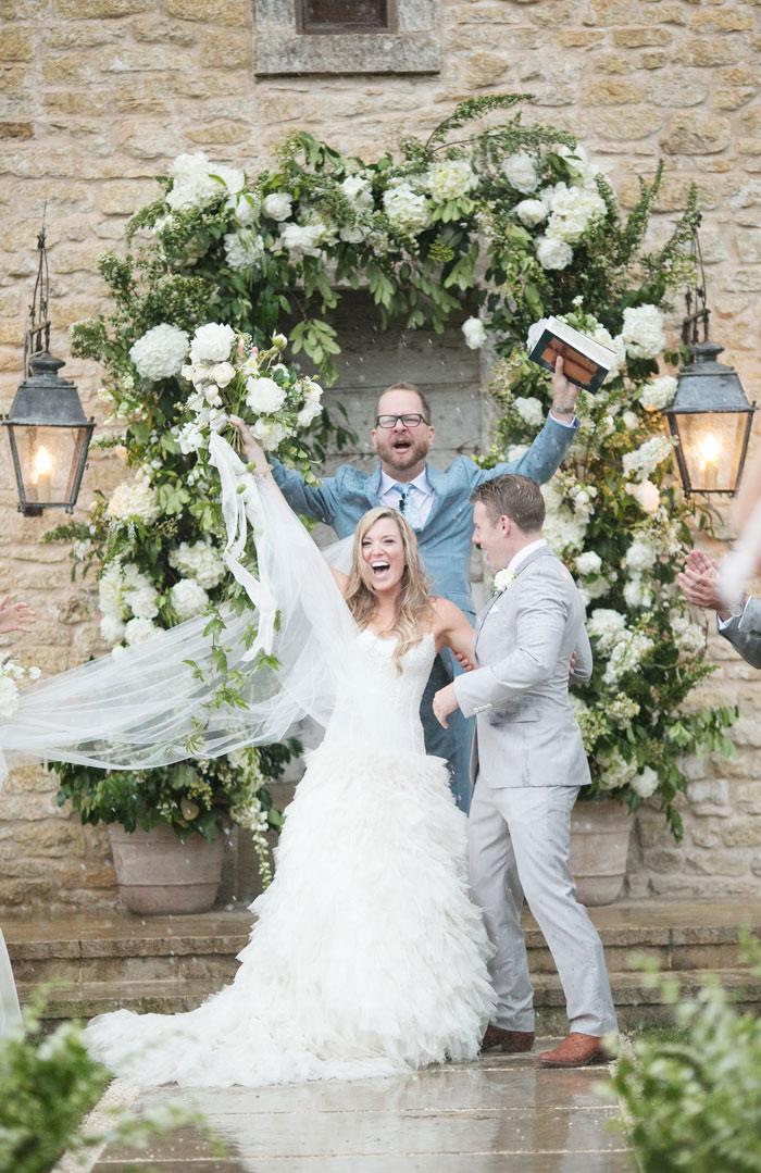 Houston-Oaks-Country-Club-white-romantic-wedding-inspiration19