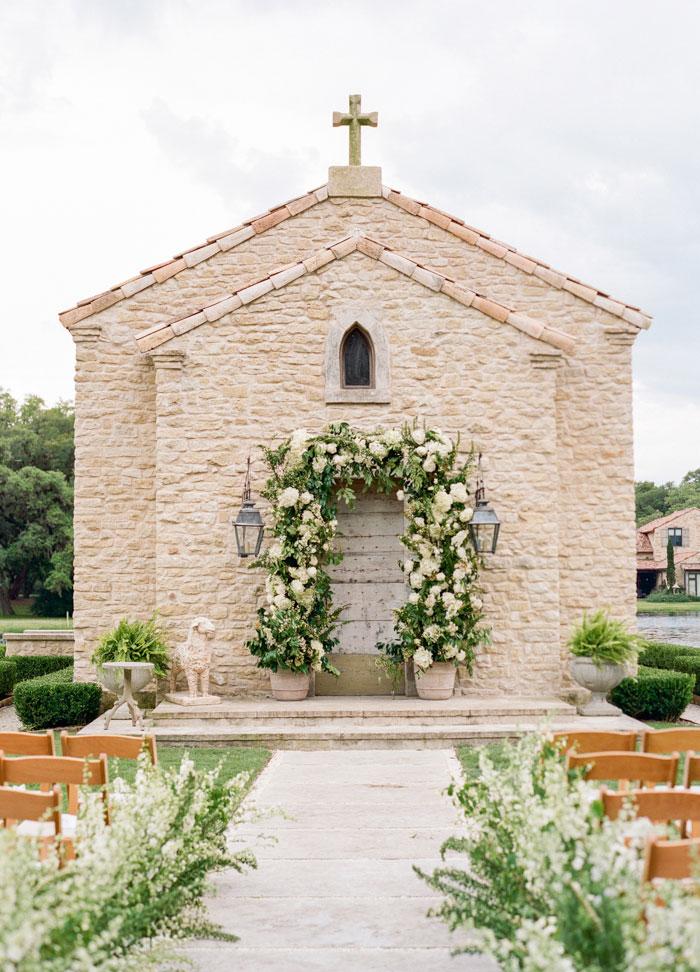 Houston Oaks Country Club White Wedding Inspiration20