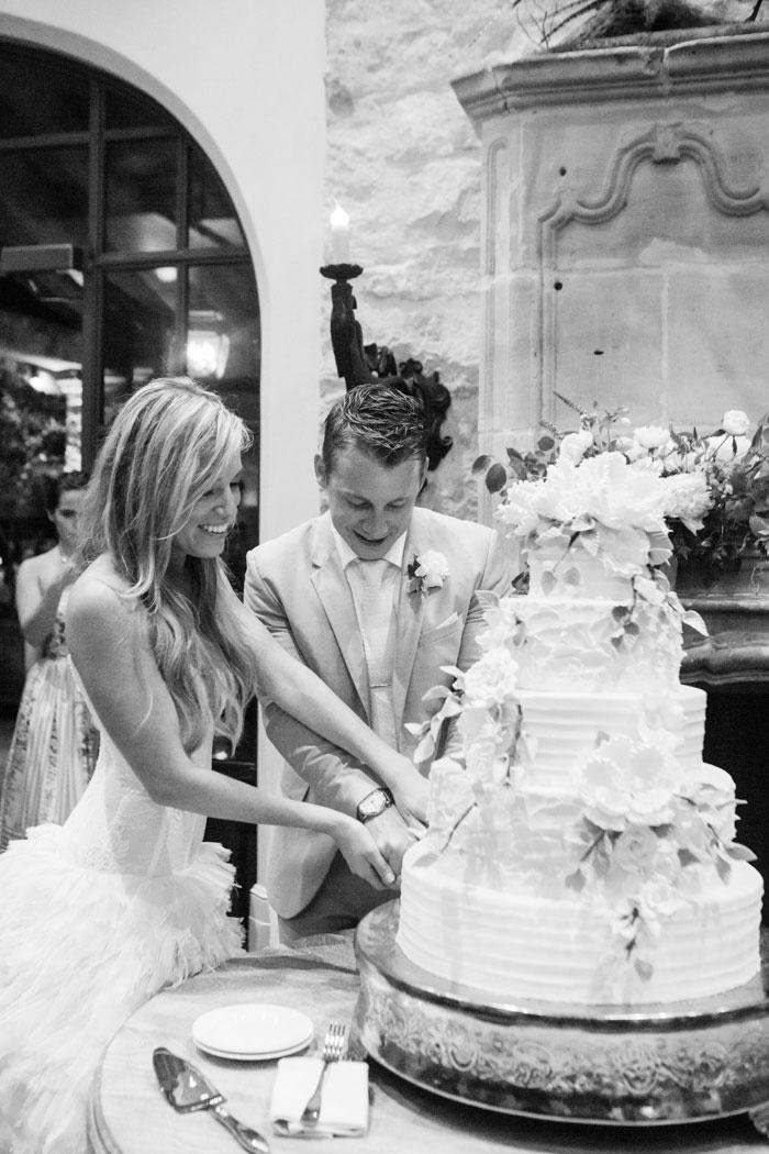 Houston-Oaks-Country-Club-white-romantic-wedding-inspiration24