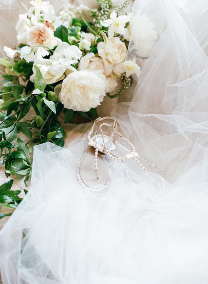 Houston-Oaks-Country-Club-white-romantic-wedding-inspiration46