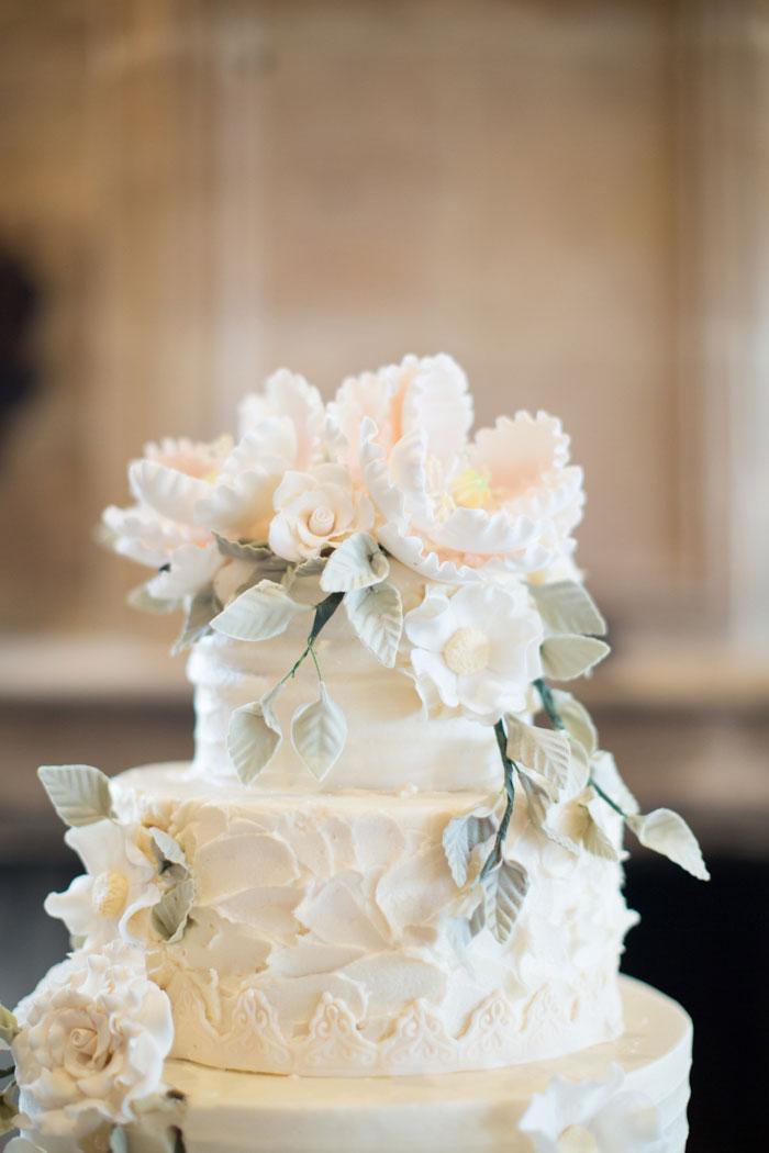 Houston-Oaks-Country-Club-white-romantic-wedding-inspiration50