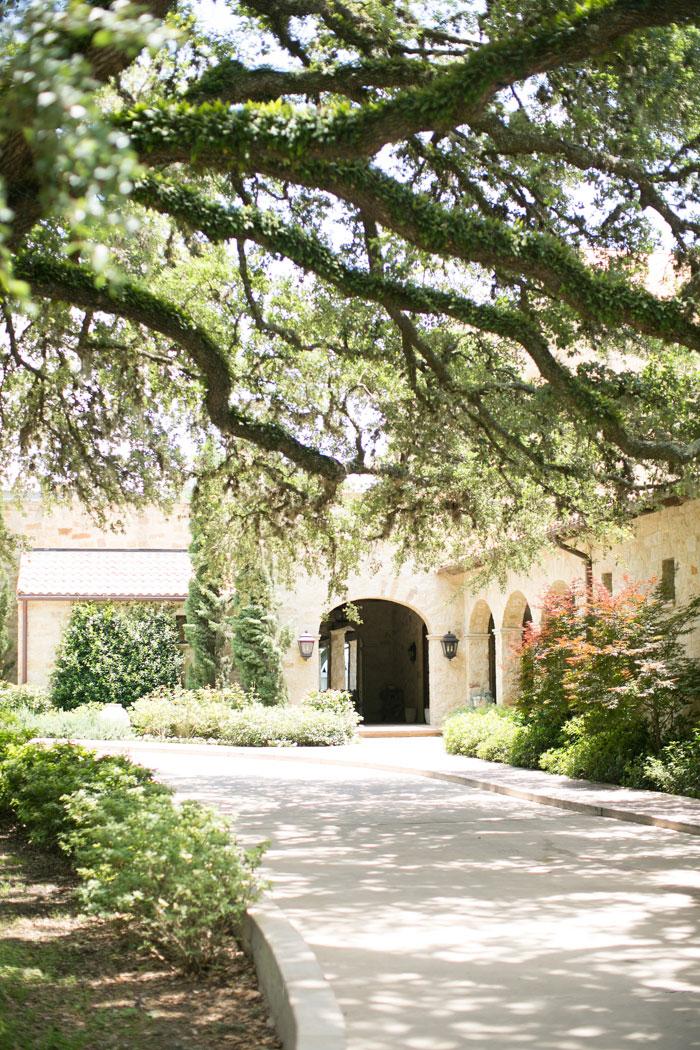 Houston-Oaks-Country-Club-white-romantic-wedding-inspiration62