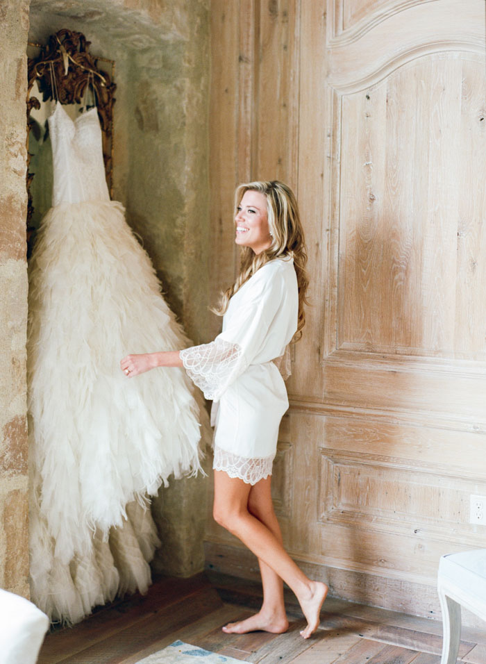 Houston-Oaks-Country-Club-white-romantic-wedding-inspiration75