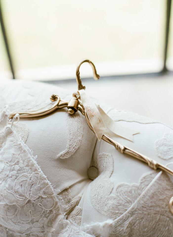 Houston-Oaks-Country-Club-white-romantic-wedding-inspiration81