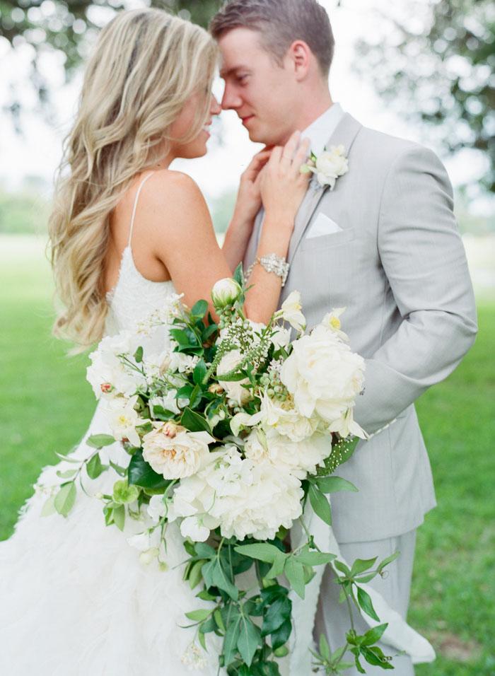 Houston-Oaks-Country-Club-white-romantic-wedding-inspiration85