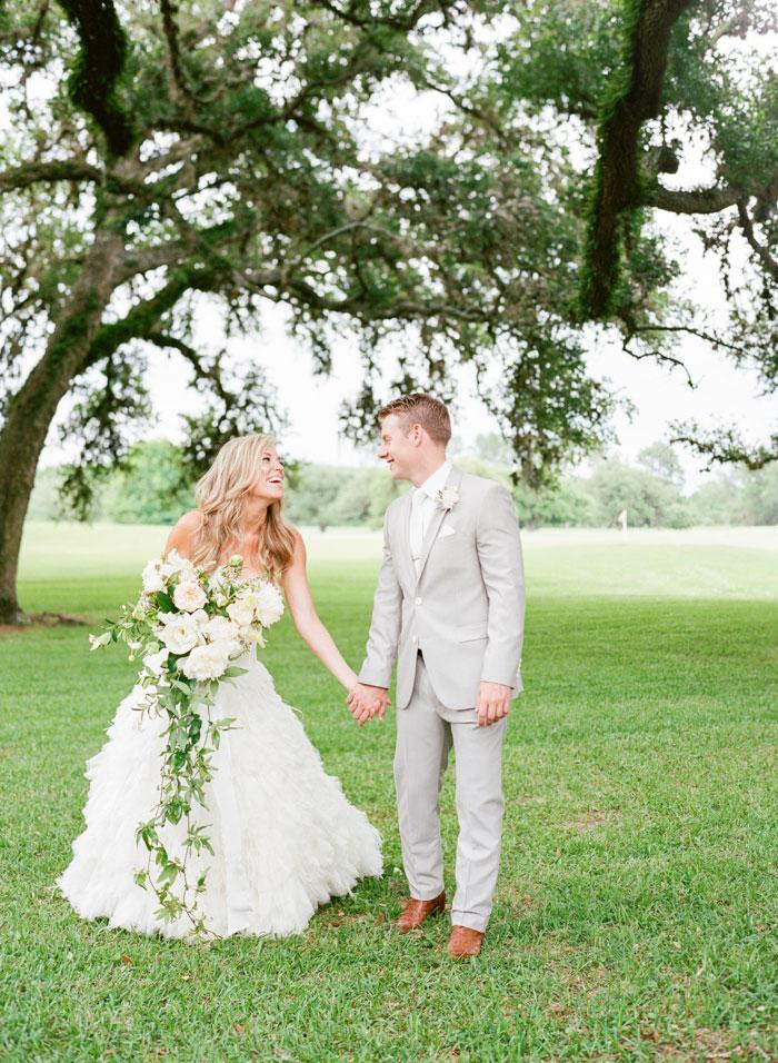 Houston-Oaks-Country-Club-white-romantic-wedding-inspiration86