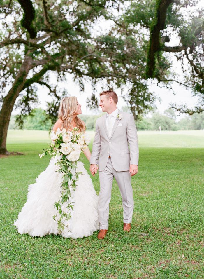 Houston-Oaks-Country-Club-white-romantic-wedding-inspiration88