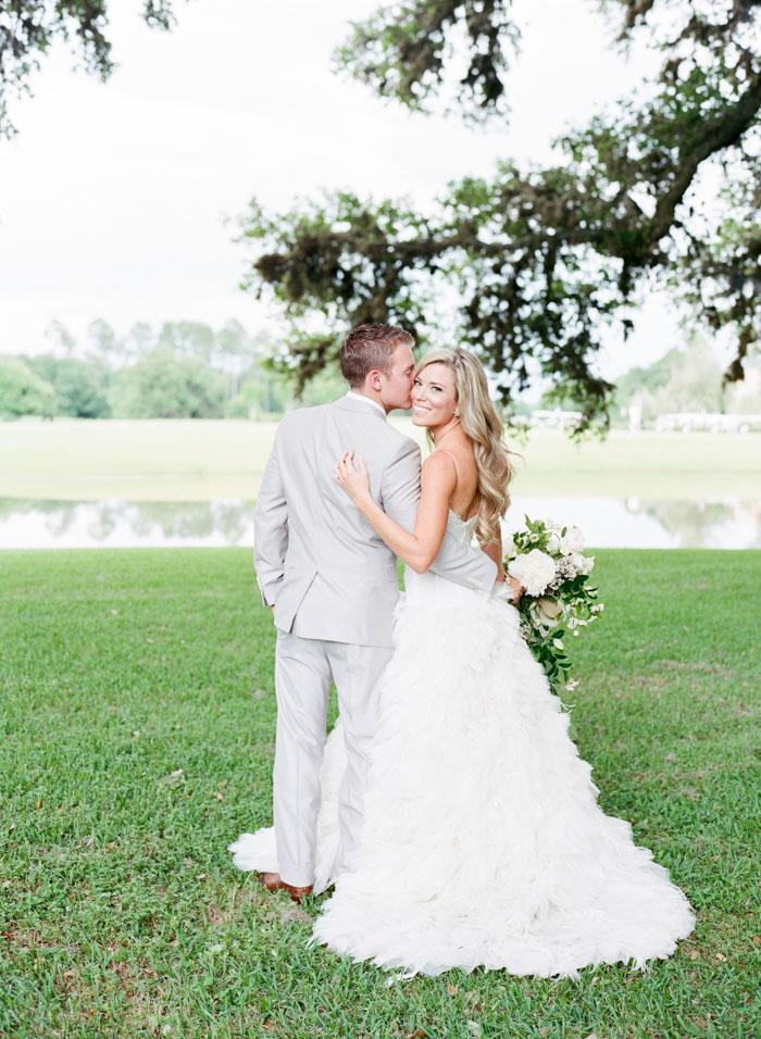 Houston-Oaks-Country-Club-white-romantic-wedding-inspiration89