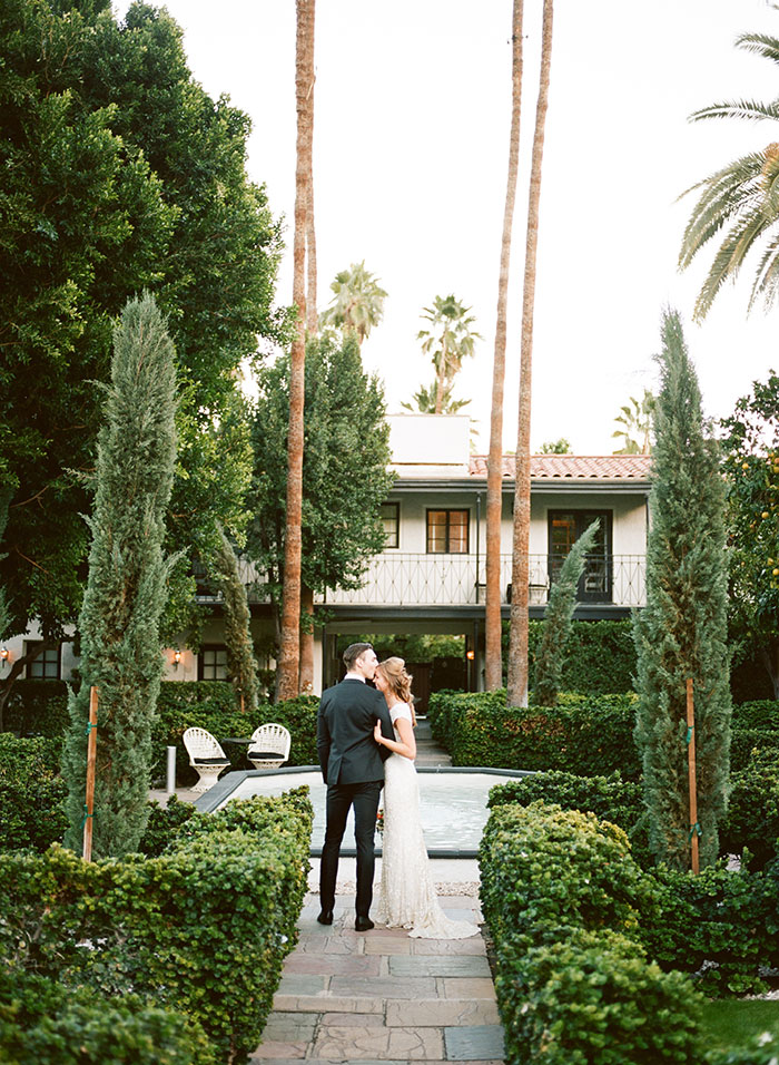 avalon-hotel-palm-springs-modern-wedding-inspiration01