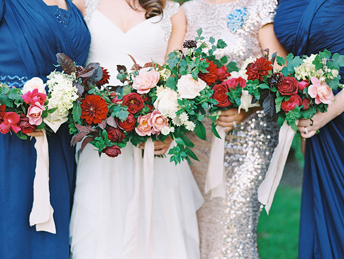 blue-boar-inn-midway-utah-romantic-blue-red-rose-wedding-rustic-glam-inspiration15
