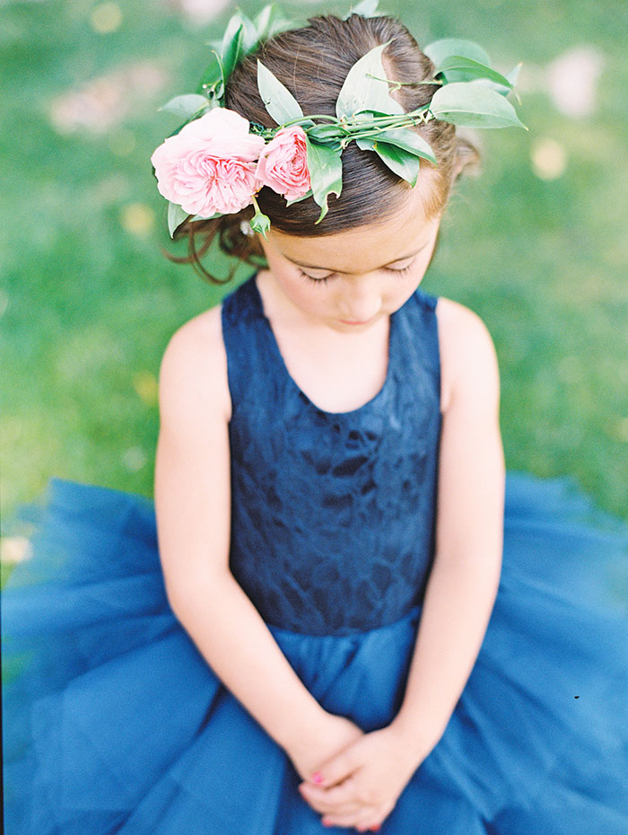 blue-boar-inn-midway-utah-romantic-blue-red-rose-wedding-rustic-glam-inspiration17
