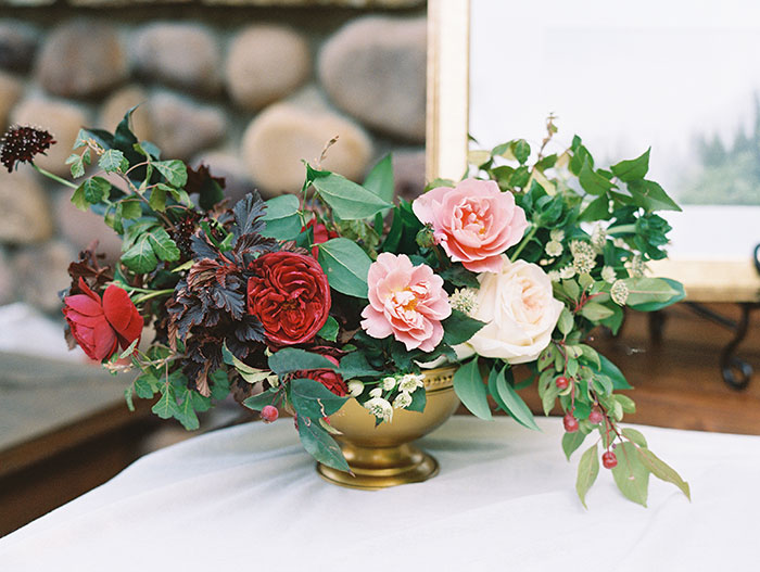 blue-boar-inn-midway-utah-romantic-blue-red-rose-wedding-rustic-glam-inspiration18