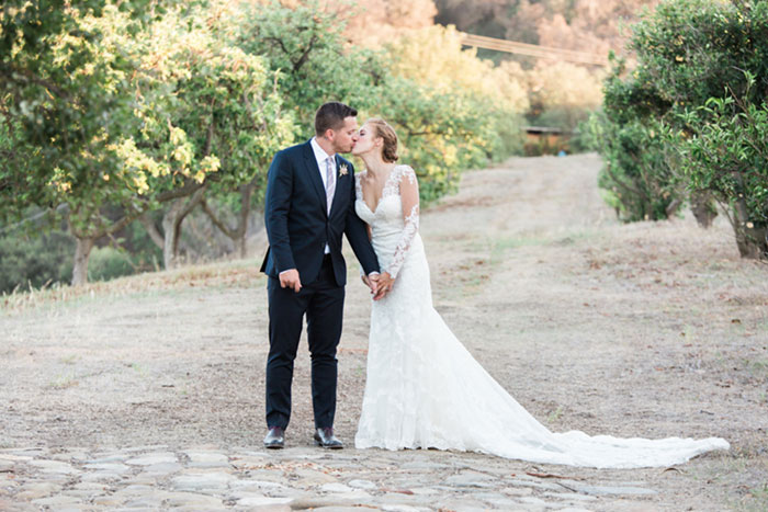 santa-paula-rustic-california-inspired-floral-wedding-inspiration03