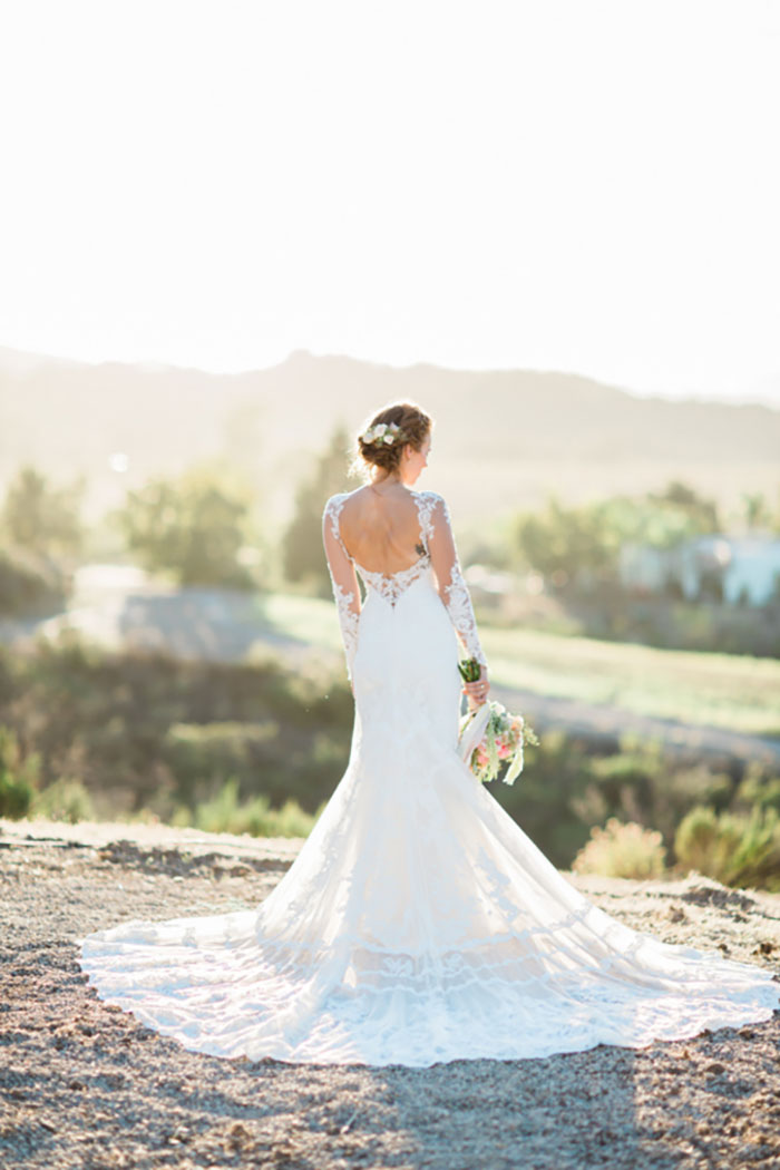 santa-paula-rustic-california-inspired-floral-wedding-inspiration22