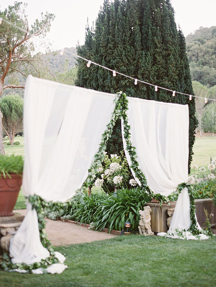 stonepine-estate-elegant-white-floral-wedding-inspiration17
