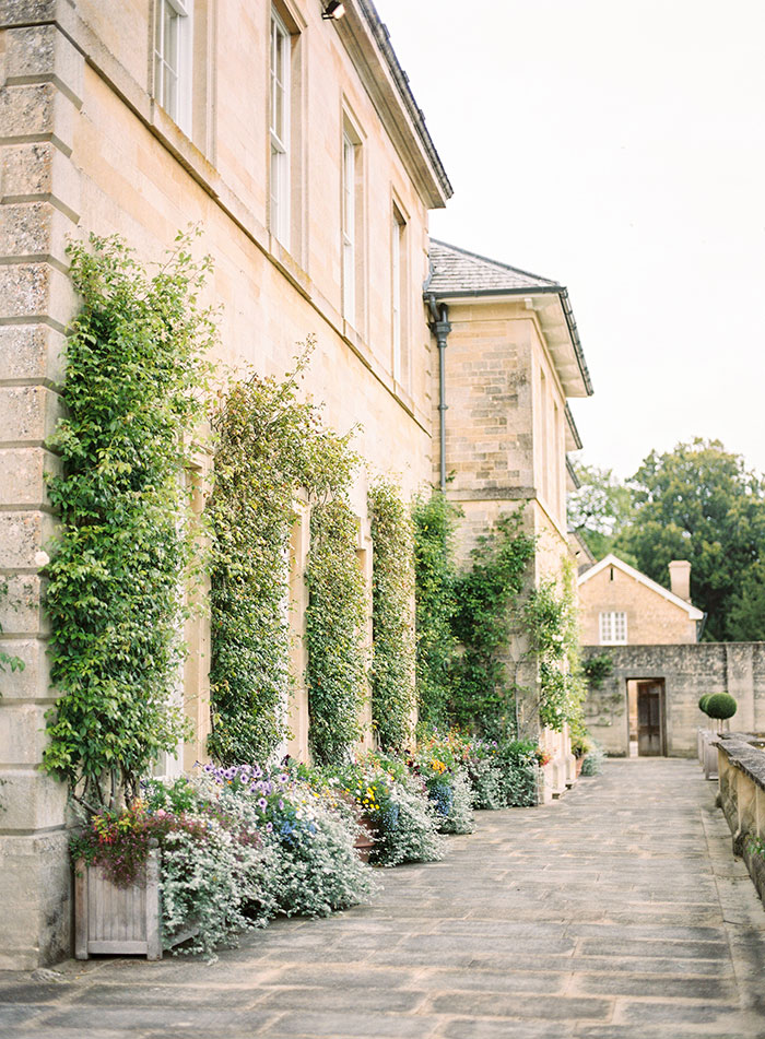 Oxfordshire-private-estate-english-garden-wedding-inspiration02