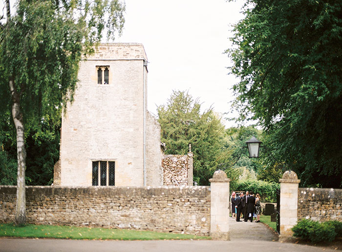 Oxfordshire-private-estate-english-garden-wedding-inspiration19