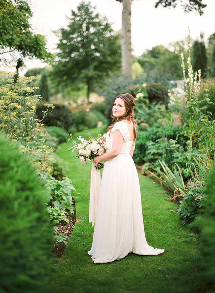 Oxfordshire-private-estate-english-garden-wedding-inspiration24
