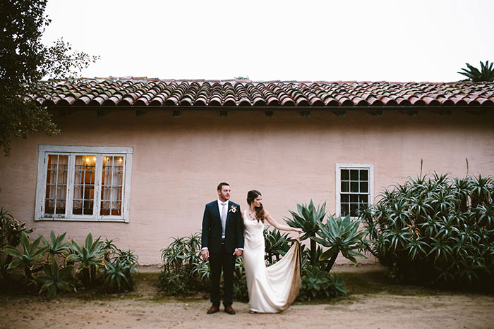 Santa-Barbara-Historical-Museum-tropical-floral-wedding-inspiration36