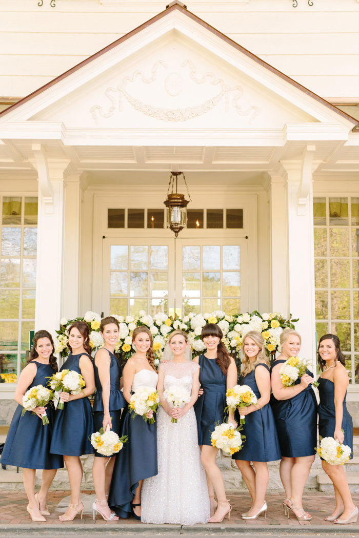 belle-mead-country-club-nashville-yellow-umbrella-wedding17