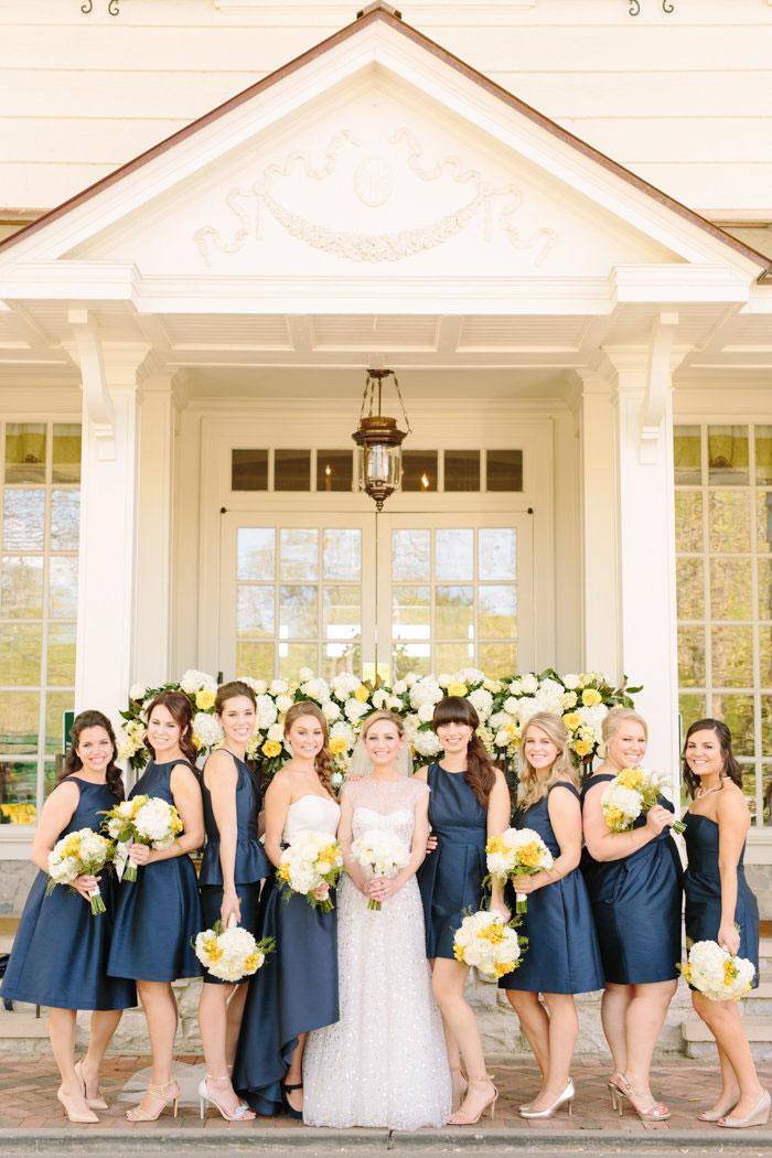 belle-mead-country-club-nashville-yellow-umbrella-wedding17