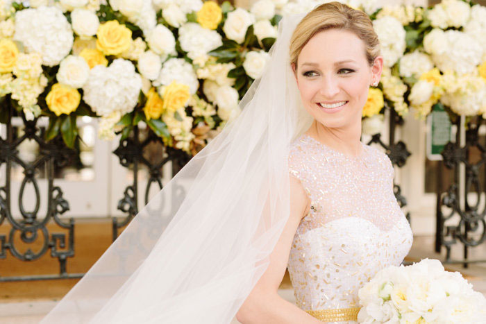 belle-mead-country-club-nashville-yellow-umbrella-wedding21