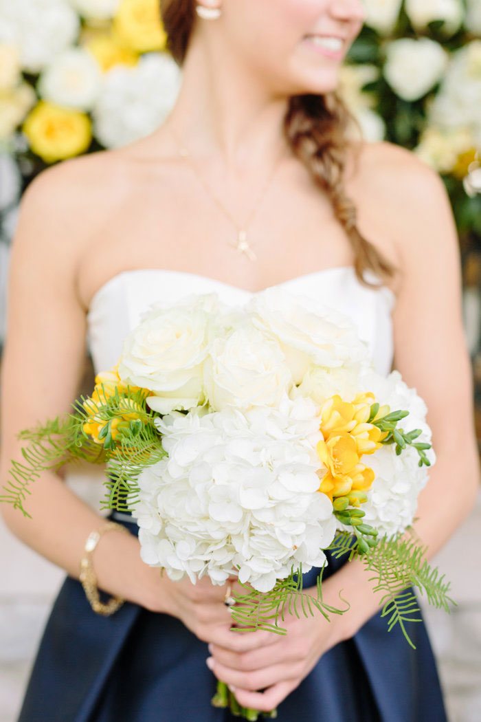 belle-mead-country-club-nashville-yellow-umbrella-wedding23