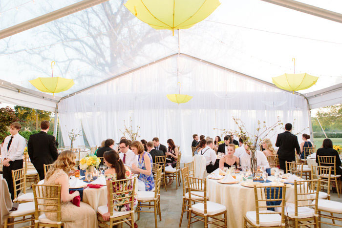 belle-mead-country-club-nashville-yellow-umbrella-wedding38