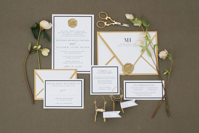 champagne-inspired-wedding-black-and-white-gold-typography-modern-inspiration53