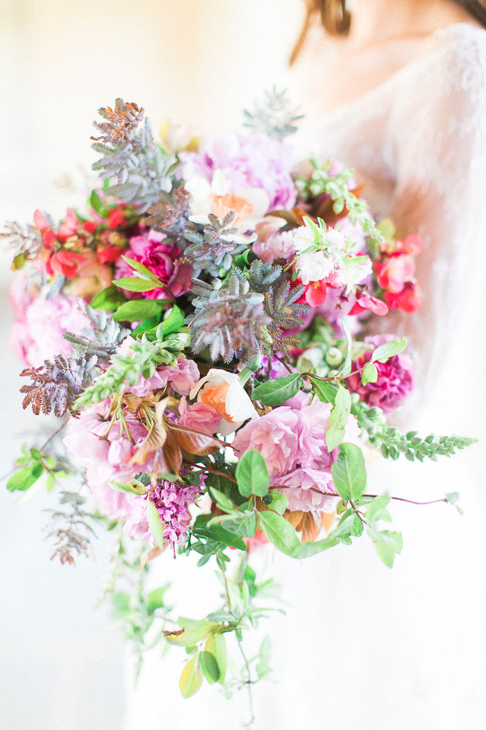 colorful-spring-bloom-farm-wedding-inspiration18