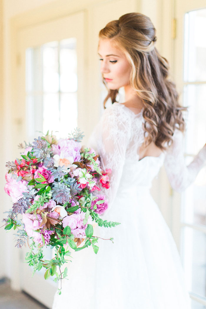 colorful-spring-bloom-farm-wedding-inspiration20
