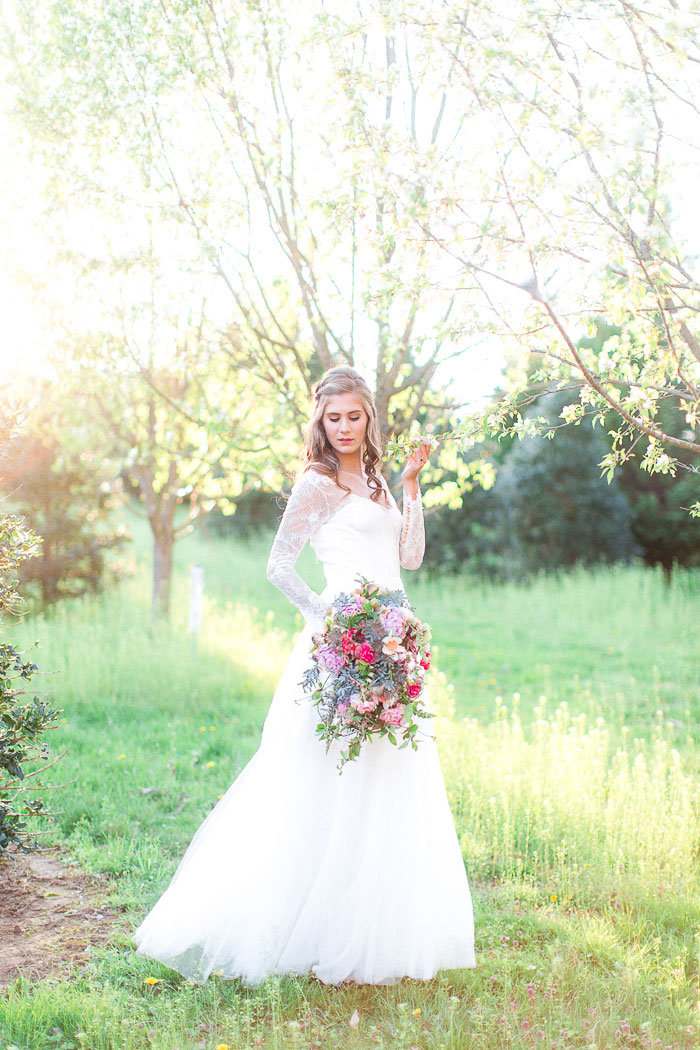 colorful-spring-bloom-farm-wedding-inspiration37