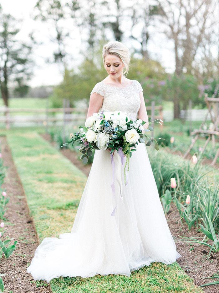 elegant-garden-inspiration-shoot-lavender-rustic13
